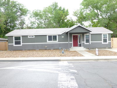 Farmington Manufactured Home For Sale: 2408 Avery Lane