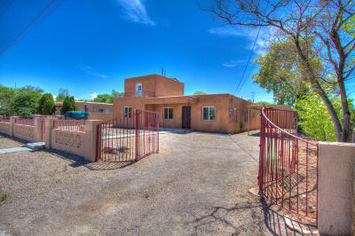 Albuquerque Single Family Home For Sale: 226 Hendrix Road NW