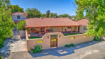 Albuquerque Single Family Home For Sale: 5725 Guadalupe Trail NW