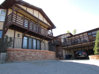 Single Family Home For Sale: 4420 Skyline Court NE
