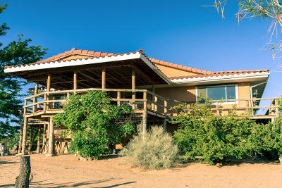 Valencia County Single Family Home For Sale: 1537 Highway 304