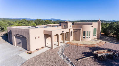 Tijeras, Cedar Crest, Sandia Park, Edgewood, Moriarty, Stanley Single Family Home For Sale: 13 Western Trail Drive