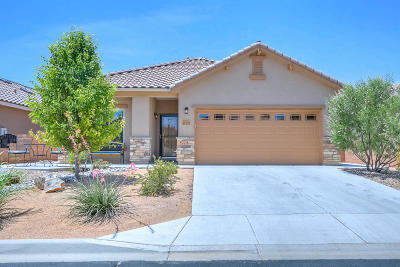 Bernalillo Single Family Home For Sale: 815 Golden Yarrow Trail