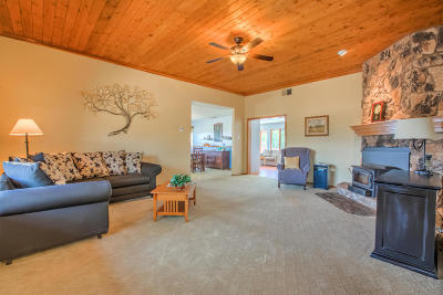 Tijeras, Cedar Crest, Sandia Park, Edgewood, Moriarty, Stanley Single Family Home For Sale: 33 Stagecoach Junction Road