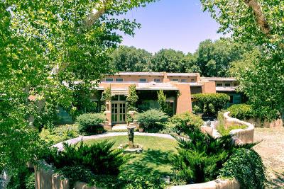 Corrales Single Family Home For Sale: 690 W La Entrada