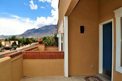Single Family Home For Sale: 5612 Bosque Vista Drive NE