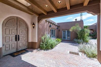 Santa Fe County Single Family Home For Sale: 210 Camino Del Rincon