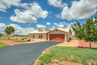 Tijeras, Cedar Crest, Sandia Park, Edgewood, Moriarty, Stanley Single Family Home For Sale: 18 Epoch Road