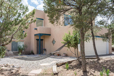 Tijeras, Cedar Crest, Sandia Park, Edgewood, Moriarty, Stanley Single Family Home For Sale: 44 Chaco Loop