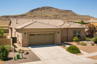 Valencia County Single Family Home For Sale: 221 Rio Chama Circle SW