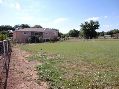 Valencia County Single Family Home For Sale: 26 Camino Manzana