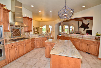 Tijeras, Cedar Crest, Sandia Park, Edgewood, Moriarty, Stanley Single Family Home For Sale: 39 Woodlands Drive