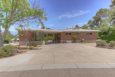 Albuquerque Multi Family Home For Sale: 1520 Calle Del Ranchero NE