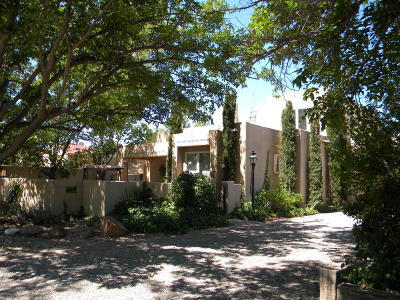 Los Ranchos Single Family Home For Sale: 6707 Elwood Drive NW