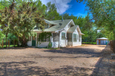 Albuquerque Single Family Home For Sale: 144 Vineyard Road NW