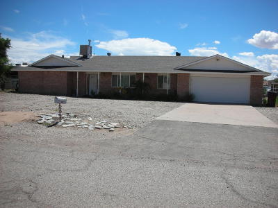 Valencia County Single Family Home For Sale: 318 SE Riggs Street SE