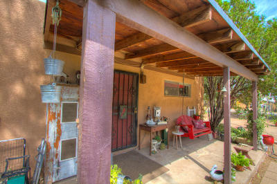 Albuquerque Single Family Home For Sale: 110 Vineyard Road NW