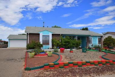 Rio Rancho Single Family Home For Sale: 1025 Daffodil Drive SW