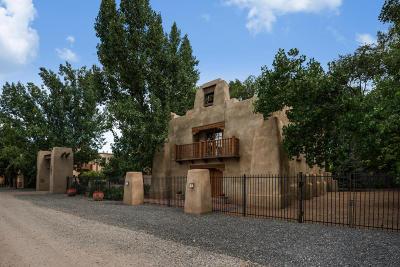 Los Ranchos Single Family Home For Sale: 7628 Rio Grande Boulevard NW
