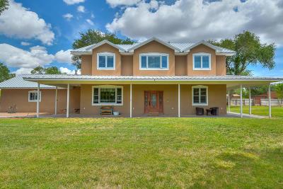 Albuquerque Single Family Home For Sale: 2021 Gabaldon Road NW