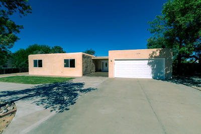 Rio Rancho Single Family Home For Sale: 1609 37th Street SE