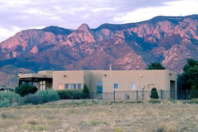 Single Family Home For Sale: 9501 Signal Avenue NE