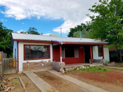 Albuquerque NM Single Family Home For Sale: $142,000