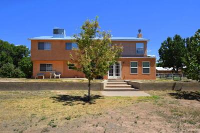 Valencia County Single Family Home For Sale: 7 Tres Hijos Road