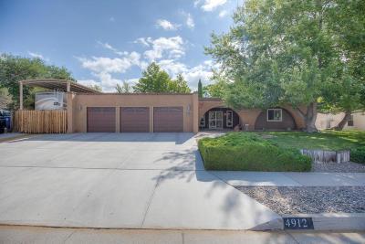 Single Family Home For Sale: 4912 Larchmont Drive NE