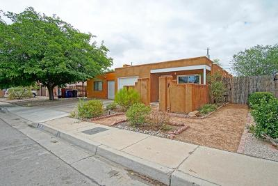 Albuquerque Attached For Sale: 218 Shannon Place NW