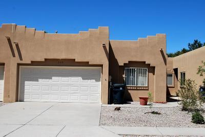 Albuquerque Attached For Sale: 205 Hendren Lane NE