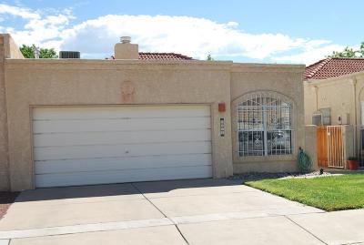 Albuquerque Attached For Sale: 6924 El Cajon Court NW