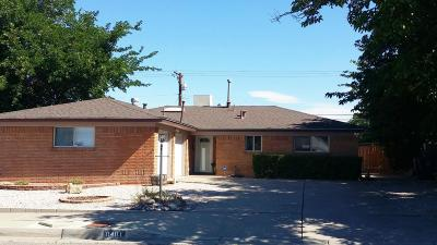 Albuquerque Single Family Home For Sale: 8401 Las Camas Road NE