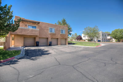 Albuquerque Attached For Sale: 4801 Irving Boulevard NW #UNIT 130