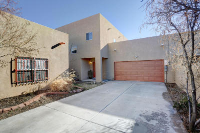 Albuquerque Attached For Sale: 2916 Foraker Place NW