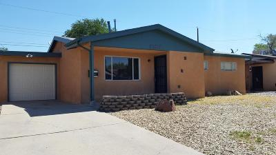 Albuquerque NM Single Family Home For Sale: $155,000