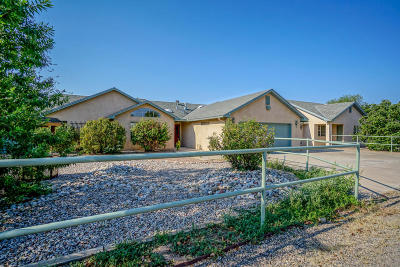 Albuquerque Single Family Home For Sale: 142 Roehl Road NW