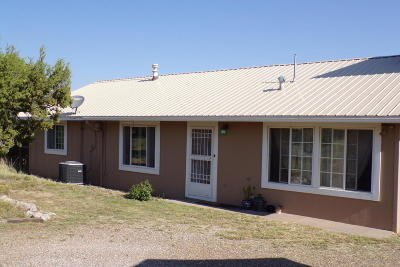 Tijeras, Cedar Crest, Sandia Park, Edgewood, Moriarty, Stanley Single Family Home For Sale: 23 McCall Road