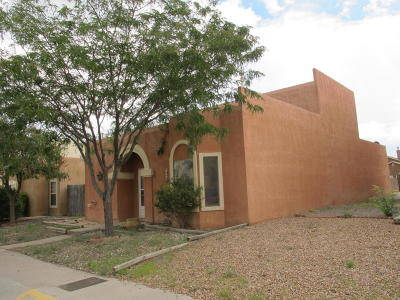 Albuquerque Single Family Home For Sale: 7720 Redwood Drive NW