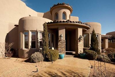 Albuquerque Single Family Home Active Under Contract - Short : 2204 Via Cadiz Court NW