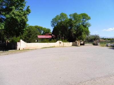 Valencia County Single Family Home For Sale: 6 Melon Circle