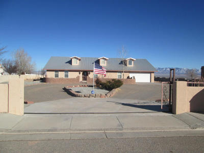 Valencia County Single Family Home For Sale: 830 Desi Loop