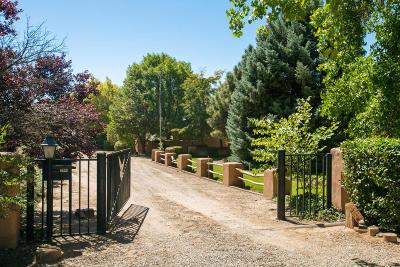 Albuquerque Single Family Home For Sale: 2604 Teodoro Road NW