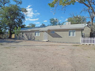 Albuquerque NM Single Family Home For Sale: $119,900