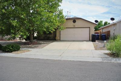 Albuquerque NM Single Family Home For Sale: $165,000