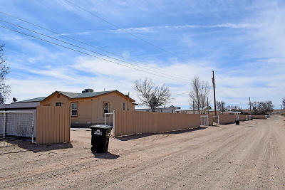Valencia County Multi Family Home For Sale: 3 Karen Lane