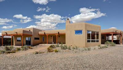 Rio Rancho Single Family Home For Sale: 6021 Del Carmen Drive NE