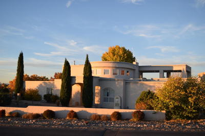 Single Family Home For Sale: 8421 Florence Avenue NE