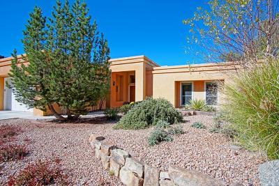 Single Family Home For Sale: 5725 Teakwood Trail NE