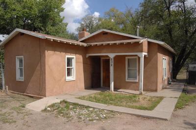 Albuquerque Single Family Home For Sale: 832 Goff Boulevard SW